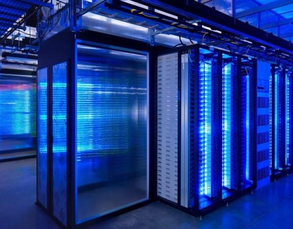 server-room-computer-hd-wallpaper-1920x1080-6406-1024x576